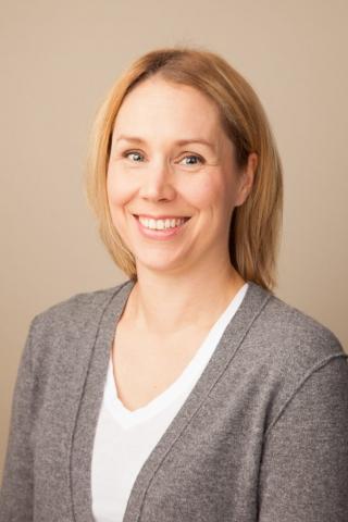 Johanna - Seattle Headshot Pro - Professional Corporate Headshots in Seattle